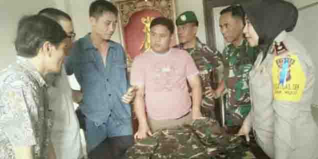 4 WN China yang Bikin Gaduh Keliling Pasar Pakai Seragam TNI Dideportasi