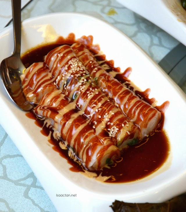 Vermicelli Roll with Sweet and Sesame Sauce - RM7.80