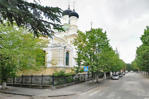 Церковь рядом с Таврической духовной семинарией в Симферополе
