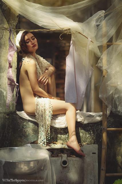 Hot girls Vietnamese girl nude washing clothes 5