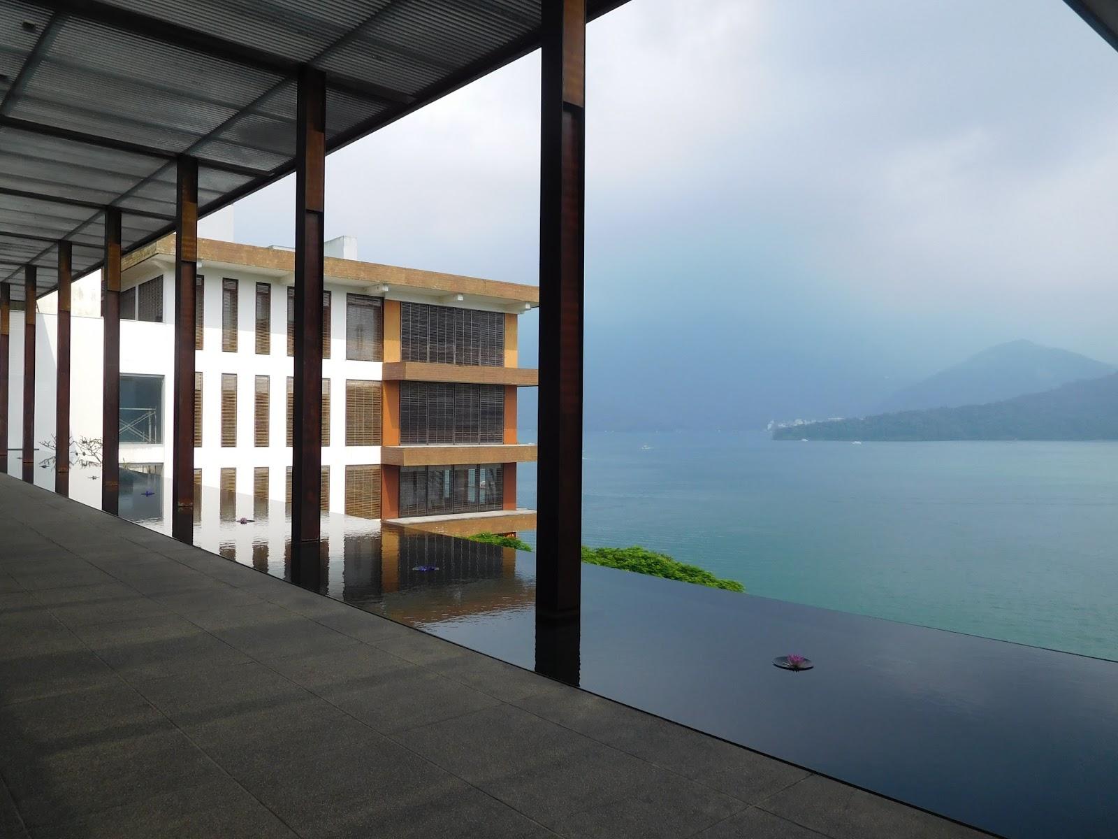 Sophie's Hotel Experience: 湖光山色之中的一處靜謐-日月潭涵碧樓(The Lalu, Sun Moon Lake)/楔子與泳池篇