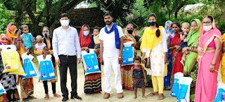 #JaunpurLive : लाभार्थियों को वितरित किया खाद्यान व तेल