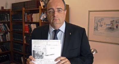 El Director General de los Registros y del Notariado de España notificó la primera resolución de concesión de nacionalidad española conforme a la Ley 12/2015, de 24 de junio, a un mexicano descendiente de judío sefaradí originario de España.