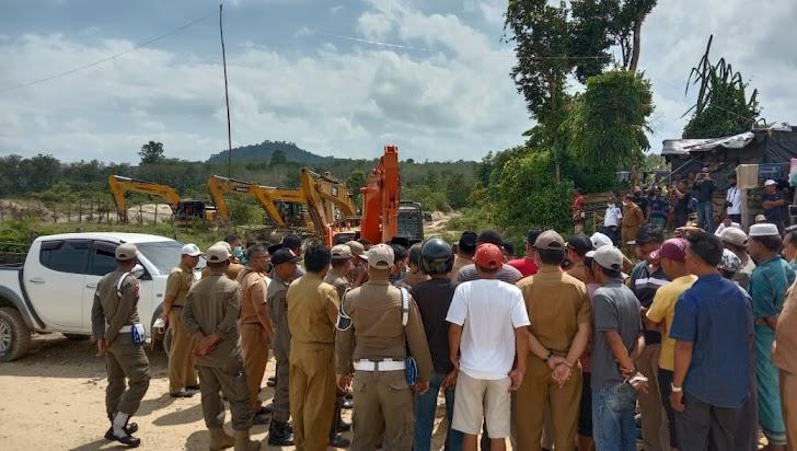 34 Alat Berat Di Area Sungai Limun dan Hutan Desa Lubuk Bedorong Kembali Dikeluarkan