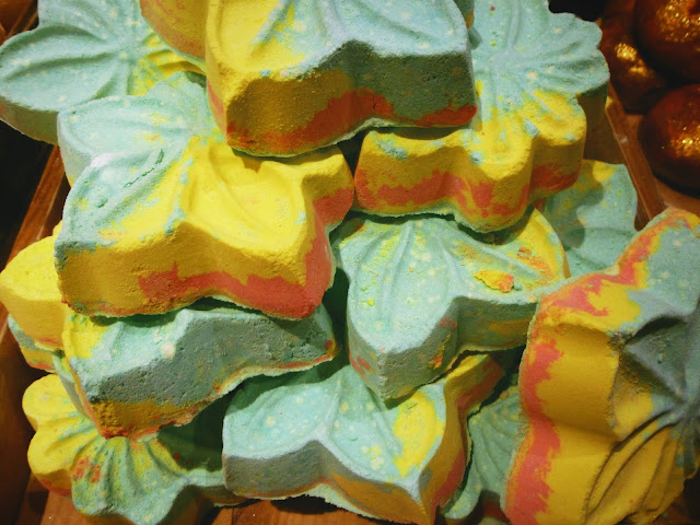 Autumn Leaf Bath Bomb Lush Cosmetics
