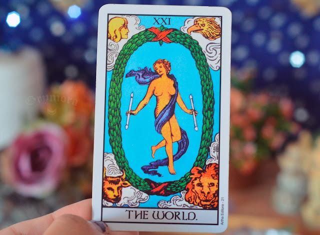 Significado da Carta 21 - O Mundo no Tarot no amor, dinheiro e trabalho, saúde, como obstáculo ou invertida e como conselho.