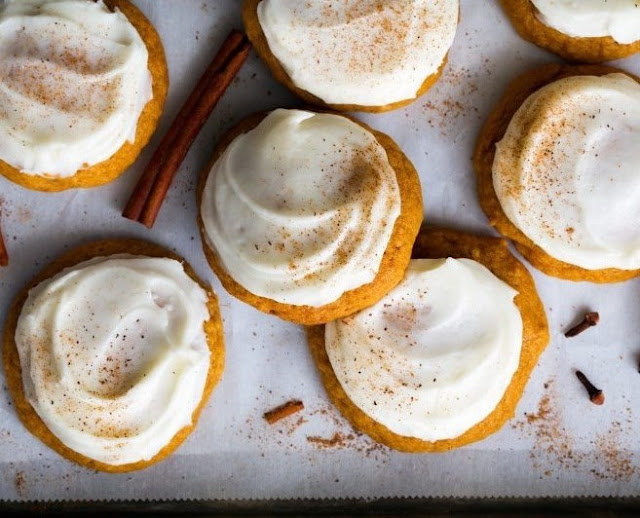 Melt-in-Your-Mouth Pumpkin Cookies #desserts #cookies