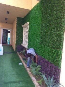 تركيب عشب صناعي بحفر الباطن   تركيب العشب الجداري بحفر الباطن