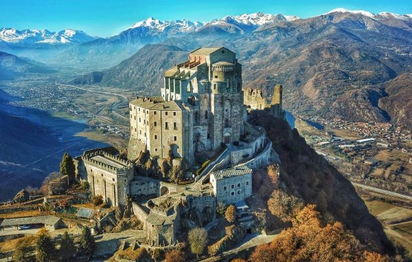Luoghi piu' belli in Italia. Sacra di San Michele