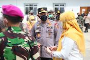 [Foto] Panglima, Kapolri dan Menkes Tinjau  Rusun Nagrak dan Beberapa Posko PPKM Mikro di Jakarta
