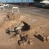 Buraco da CAERN na rua Feliciano Coelho próximo à Praia do Meio