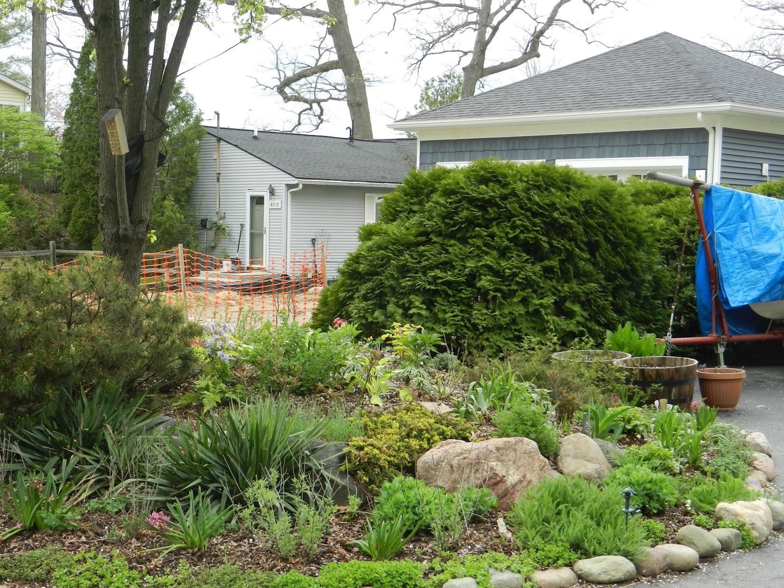 mi lake home garden