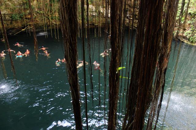 Cenote Ik Kil, de 40 metros de profundidad