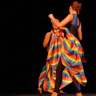 Festival de Dança de Santa Maria - Vestida de Arco-íris