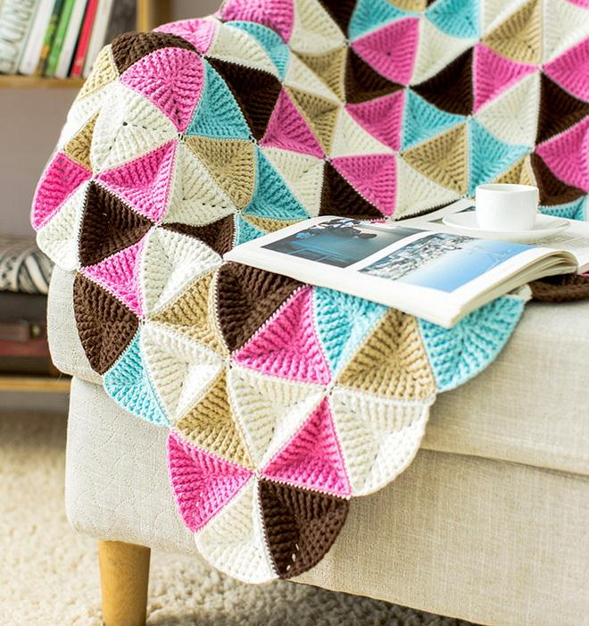 Crochet blanket or throw blanket from Colored Triangles - 5 colors