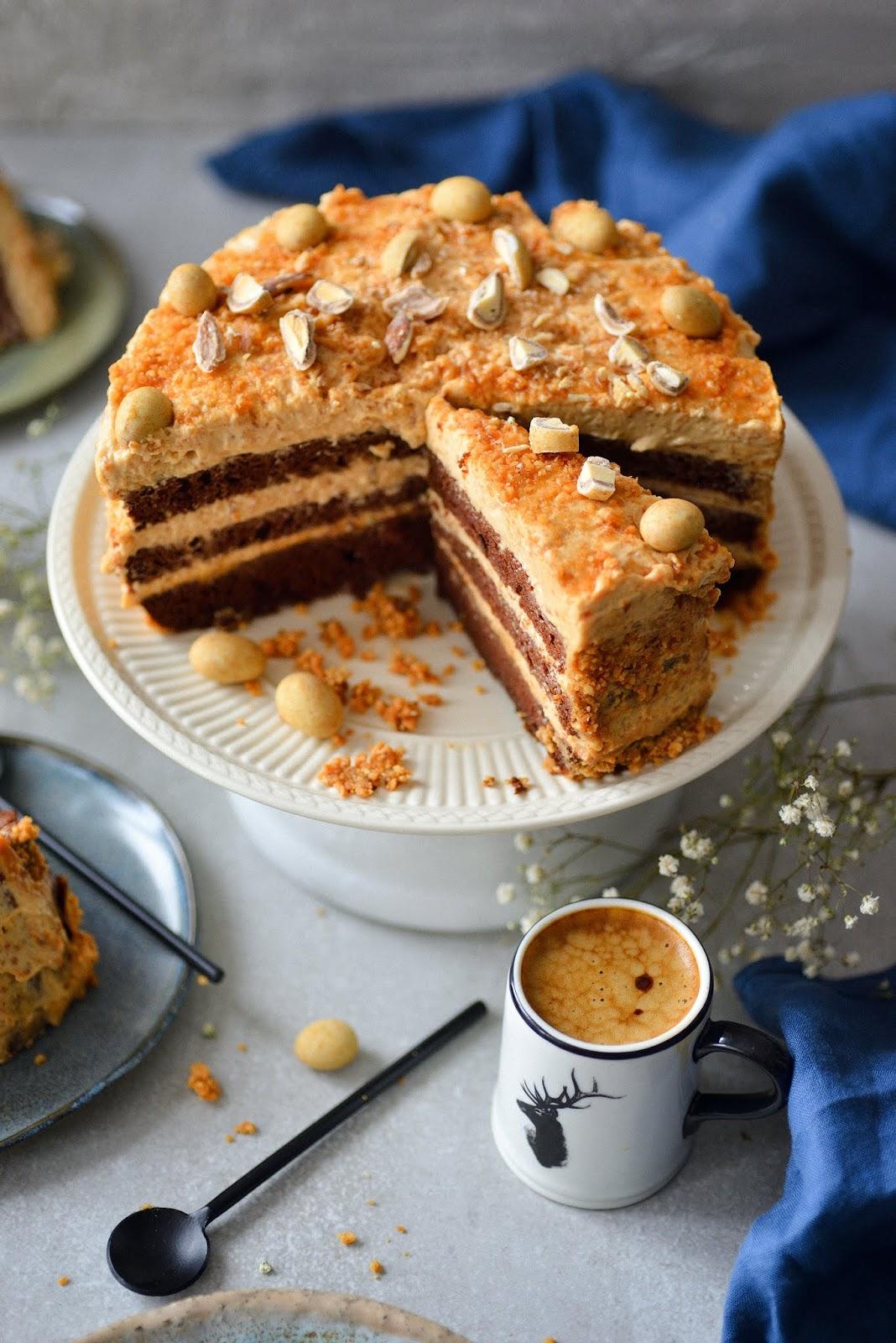 tort czekoladowo -orzechowy