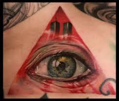 tatuaje del ojo que todo lo ve