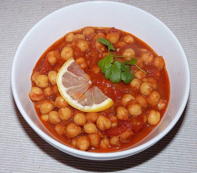 Chhole Recipe In Hindi - पंजाबी छोले आसानी से घरपर बनाएं
