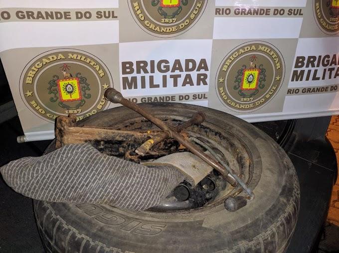 Furtou uma roda de camioneta e foi preso pela Brigada Militar em Gravataí
