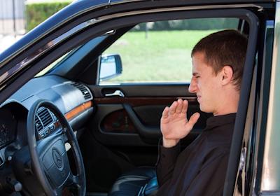 Cara Menghilangkan Bau Rokok Dalam Mobil