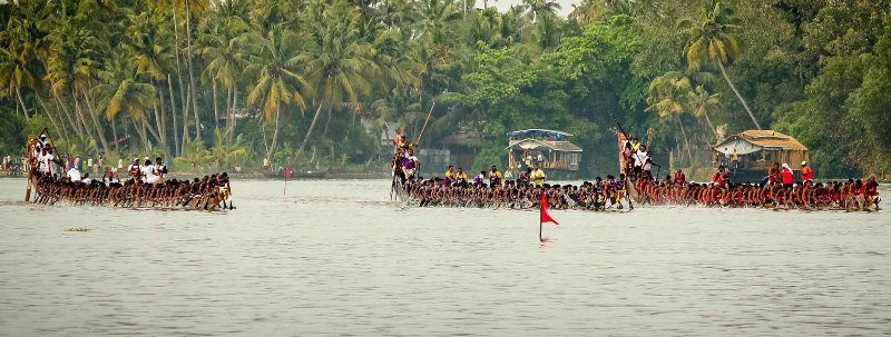 Vallamkali snake boat races begin from Aranmula and takes place on the river Pampa.