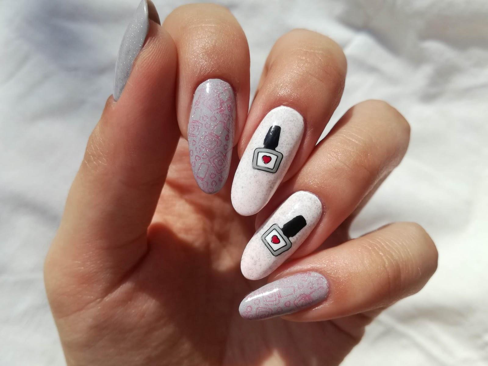 paznokcie w stemple termiczne białe
