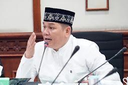 Anggota DPRA Fraksi PA Menilai Geburnur Aceh Pencitraan Saat Pembagian Sembako Covid-19