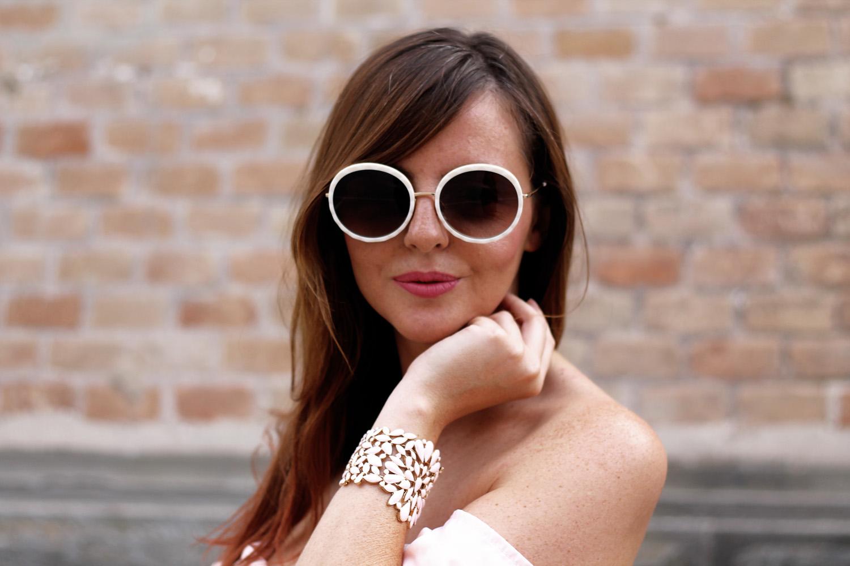 occhiali da sole tondi bianchi Ana Hickmann