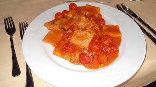 Pacheri allo scarpiello, with fresh tomatoes, is a Cava speciality dish