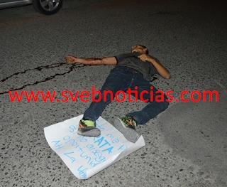 Ejecutan a joven y le dejan narco-mensaje en Chilpancingo Guerrero