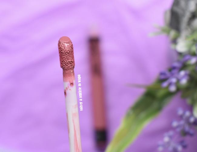 Everlasting Liquid Lipstick de Kat Von D tono Saint