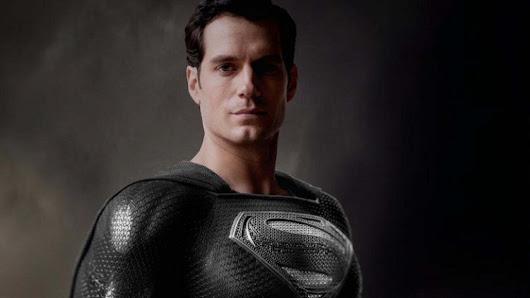henry-cavill-blacksuit-superman-jlsc