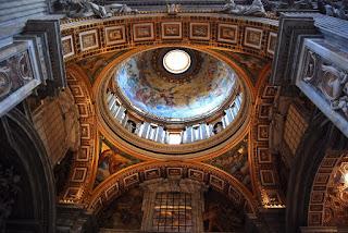 Dans les chapelles latérales, on peut admirer de jolies coupoles