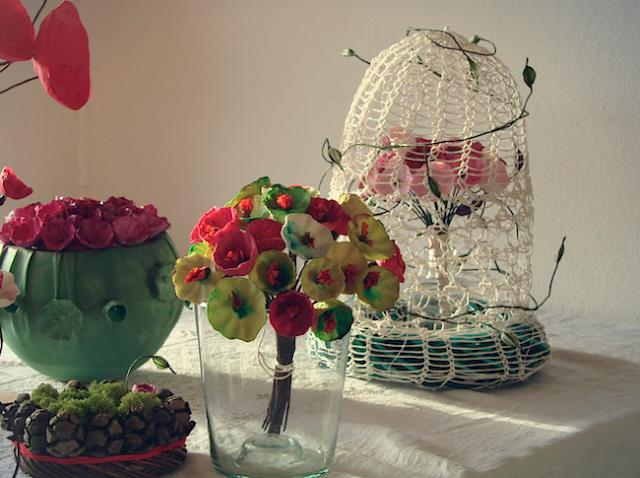 centrotavola, decorazioni, addobbi, con fiori di carta ghirlande natalizie realizzate con la lana , Natale 2016