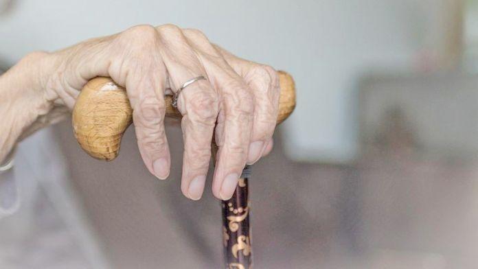 Bélgica pide dejar morir a los ancianos contagiados el con covid-19 fuera del hospital
