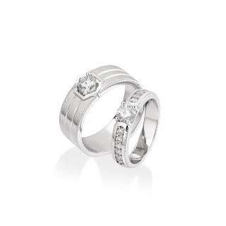 Nhẫn đôi kim cương phá cách, độc đáo