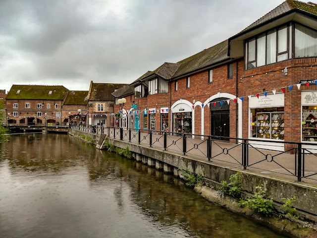 Photo of shops along the side of the River Avon