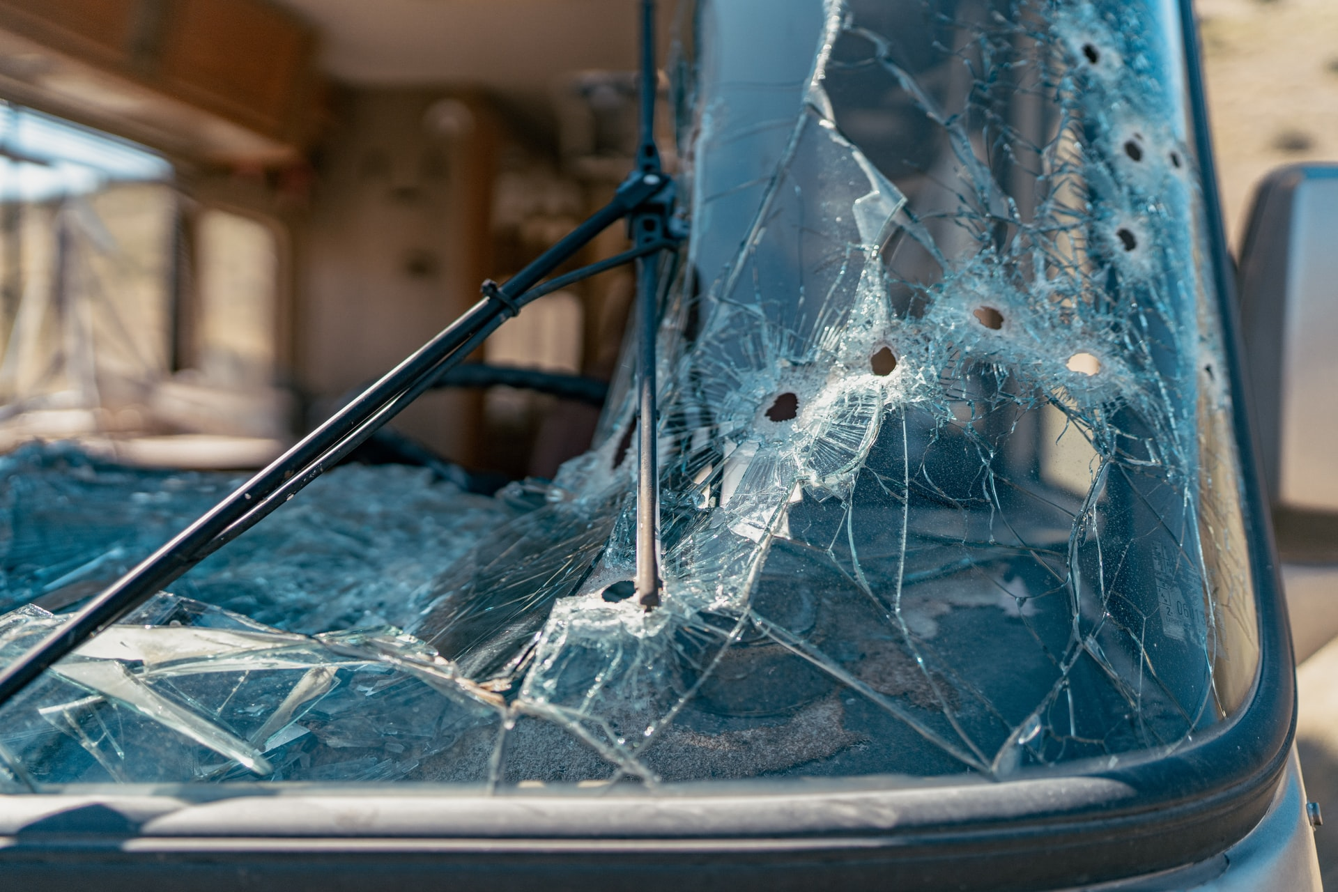 Windshield Repair Services with Solana Windscreens