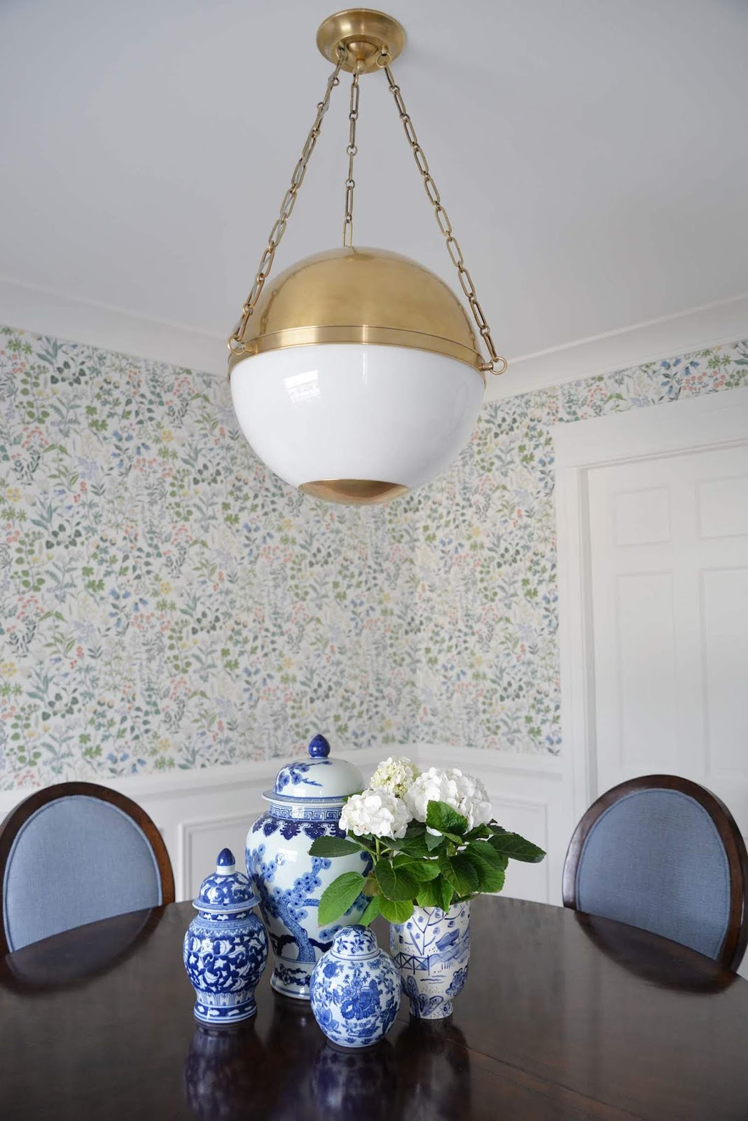 mark d sikes lighting for hudson valley lighting, Sphere No 2 pendant, new traditional chandelier, Borastapeter wallpaper