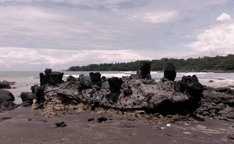 Pantai Batu Kukumbung, Tak Hanya Sekedar Pantai; Berlokasi di Karangwangi Cidaun Cianjur Selatan