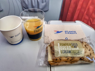 makanan di pesawat Atlantic Airways