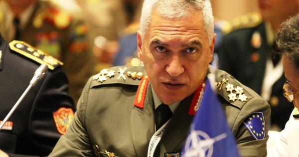 Κωσταράκος κατά ΥΕΘΑ Ε.Αποστολάκη: «Περίεργα και ανεπίτρεπτα όσα είπε στους στρατιωτικούς στο Κόσοβο»