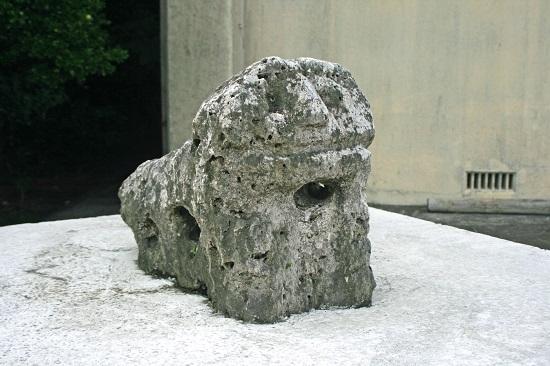 午ヌ端の石獅子の写真