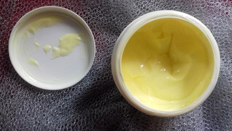 d716c4df7 O creme condensado capilar, tem a proposta de ser absorvido rapidamente  pelos fios, não ser gorduroso. Possui poder de dar brilho e resistência aos  cabelos ...