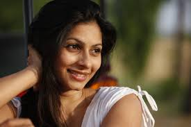 Tanishaa Mukerji Family Husband Son Daughter Father Mother Age Height Biography Profile Wedding Photos