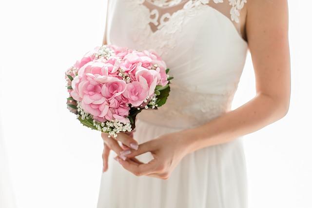 hoa cưới cầm tay cô dâu đẹp nhất 2