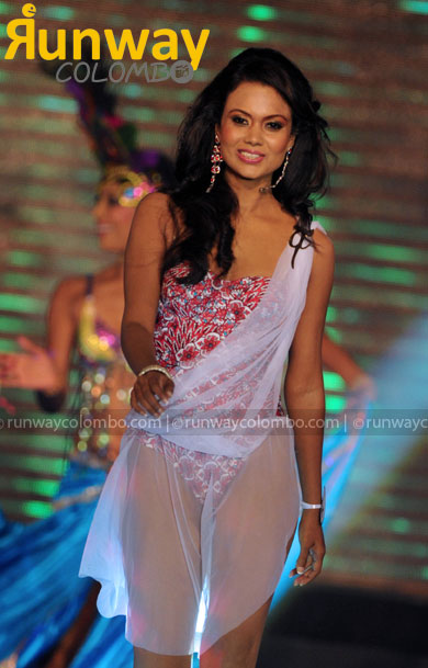 SUPER Sri lanka bikini models She looks