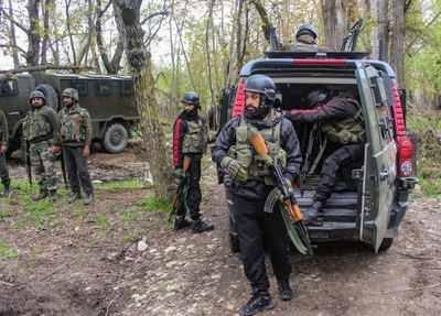 Jammu Kashmir - के शोपियां में मुठभेड़ में मारा गया लश्कर-ए-तैयबा का टॉप कमांडर