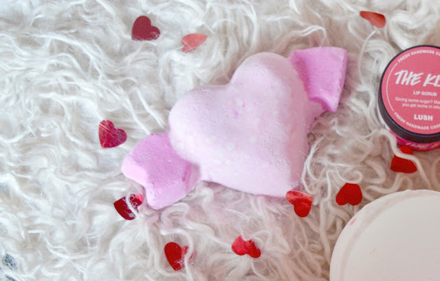 lush cupid bath bomb review