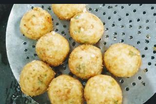 Crisp golden Deep fried corn cheese balls for corn cheese balls recipe